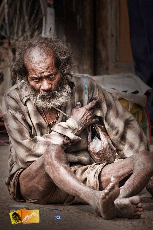 indian beggar on the streets