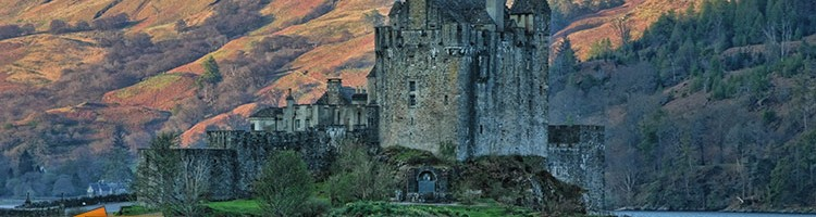 panoramic picture of Eilean Donan