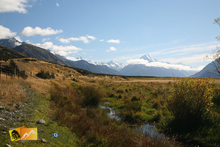 Sunny mount Cook view.