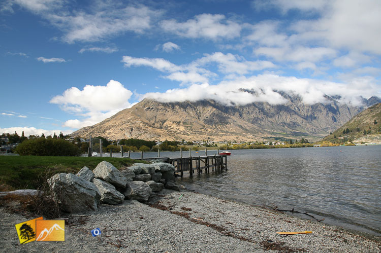 View of lake Wakatipu and remarkables.