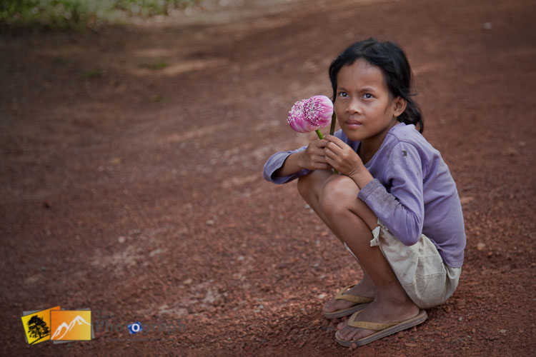thailand beggar girl